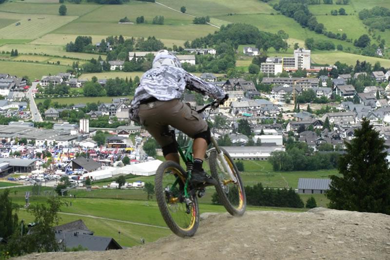Biken Downhill